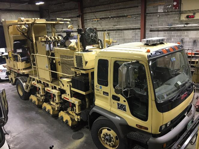 2006 Chevy MRL Grinding Truck