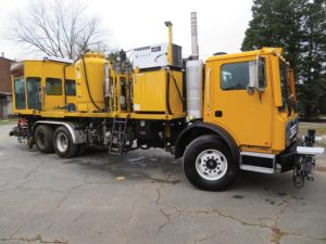2009 Mack MB Airless Tote Paint Truck